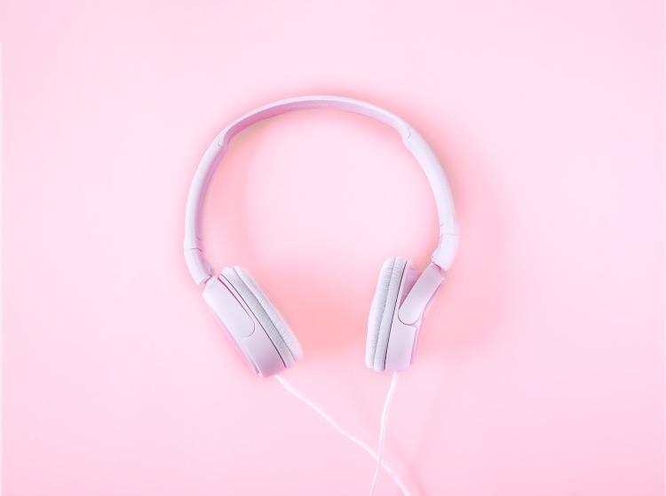 headphones-2592263_1920.jpg
